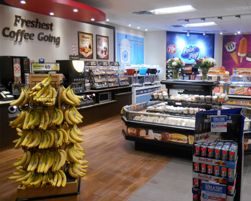 Grab-and-go food and dispensed beverages in a Couche-Tard store