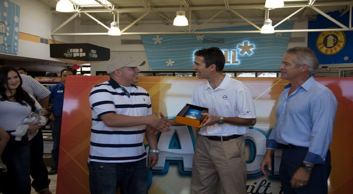 El Paso resident Andrew Saldivar is randomly selected as the lucky winner of gift card and $10,000 worth of ALON gas and merchandise.