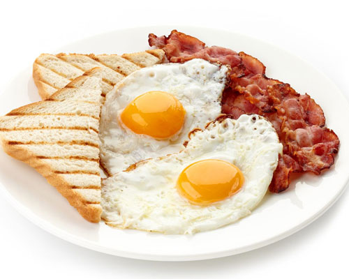 eggs, bacon and toast breakfast