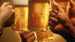 beer mugs toast