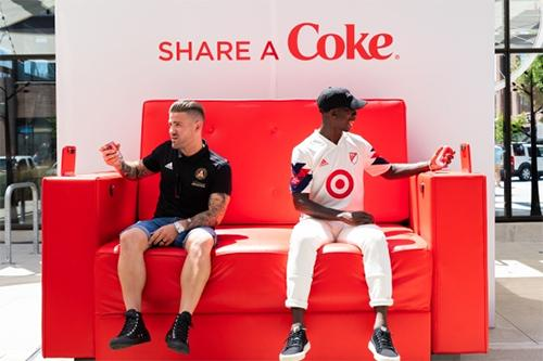 The Coca-Cola Share Chair