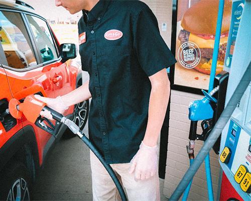 Kum & Go full-service fuel