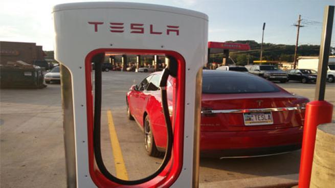 Tesla charger at Sheetz location