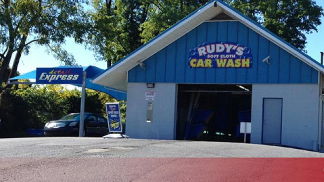 A Rudy's Car Washes location