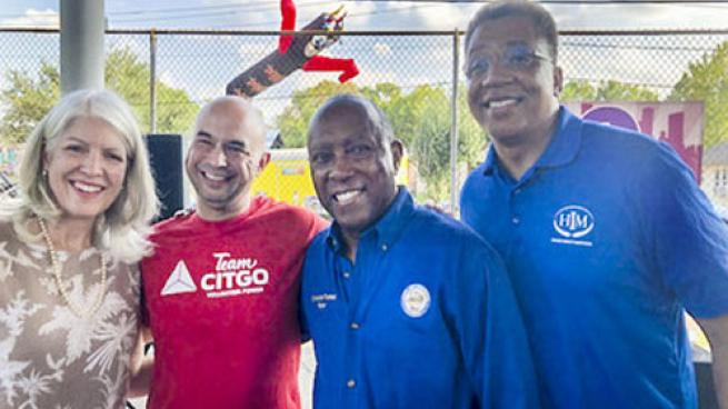 L to R: City Council Member Karla Cisneros, TeamCITGO volunteer Jerry Santos, Mayor Sylvester Turner and Rev. Ray Mackey, Higher Impact Ministries.