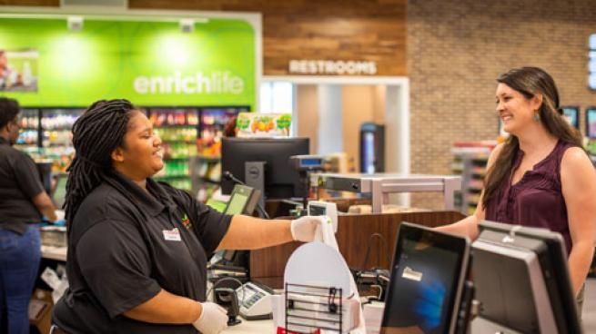 Enmarket employee
