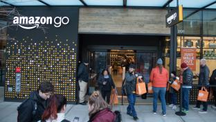 Crowd at first-ever Amazon Go store